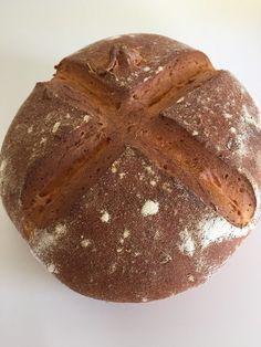 Karottenbrot, ideal für den Ostersonntag. Das Rezpt gibt es nun auf meinem #foodblog http://hausfrauenart.jimdo.com/blog/ #brot #brotbacken #brotrezept #brotrezepte #sauerteig #sauerteigbrot #backen #günstigkochen #günstig #ostern #backenfürostern #ostergebäck #rezept