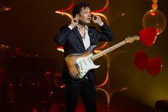 Jean-Pierre Danel & Miss Daisy (Olympia Paris (2016) (Photo : Angélique Le Goupil)  #olympia #live #concert #public #show #musique #guitare #jeanpierredanel #music #guitar #guitarist #guitarplayer #fender #stratocaster #stratocaster54 #missdaisy #france #french #paris #star #hitmaker #people #showbiz #hitrecord #singer #musician #producer #guitartribute #generationguitare #2016 #strat54 #stratocaster1954