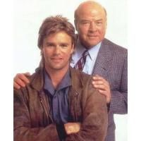 MacGyver Like James Bond--but without the high-tech gadgets--Angus MacGyver (Richard Dean Anderson) and his friend, Pete (Dana Elcar) Macgyver Tv, Angus Macgyver, Macgyver Richard Dean Anderson, Tv Retro, Tv Vintage, Emission Tv, Image Film, Elvis And Priscilla, Tv Reviews