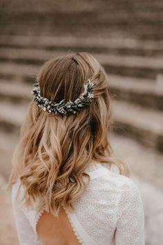 Natural Wedding Makeup, Bridal Hair And Makeup, Prom Makeup, Hair Makeup, Pagan Wedding, Gift Wedding, Wedding Things, Floral Headdress, Braut Make-up