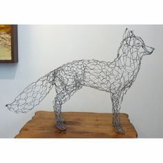 Fox Wire Sculpture by sparkflight on Etsy Chicken Wire Art, Chicken Wire Crafts, Chicken Wire Sculpture Diy, Fox Crafts, Arts And Crafts, Sculpture Metal, Abstract Sculpture, Garden Sculpture, Animal Sculptures