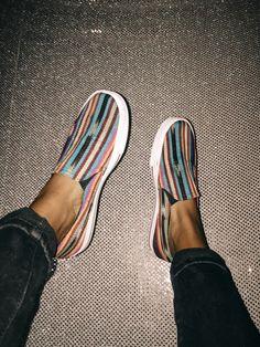 ig & vsco sarah ★ - - adalyn's world - kleidung Sock Shoes, Vans Shoes, Cute Shoes, Me Too Shoes, Shoe Boots, Nike Tennis Shoes, Pretty Shoes, Slip On Shoes, Dream Shoes