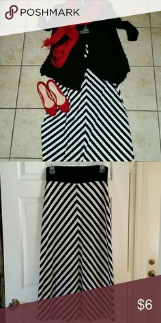 Maxi skirt Black and white stripe maxi skirt Skirts Maxi