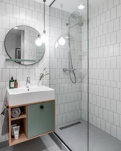 "Marta Raca na Instagramie: ""Baaardzo skandynawska łazienka w mieszkaniu przy ul.Srebrnej w Gdańsku. fot @fotomohito.eu dodatki @lumann.design oświetlenie…"" Restroom Design, Modern Bathroom Design, Bathroom Interior Design, Deco Furniture, Laundry In Bathroom, White Tiles, Bathroom Accessories, House Design, Home Decor"