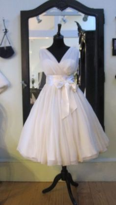 Vintage Wedding Dress I want this for when I renew my vows some day:)