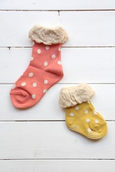 Cute socks for the wee one. Silly Socks, Cute Socks, Little Girl Fashion, Kids Fashion, Little People, Little Girls, Winter Tights, Company Picnic, Baby Boutique