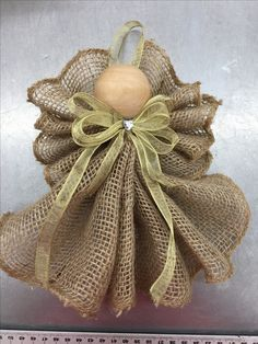 Cheap DIY Jute decoration and ornaments for Christmas basteln Weihnachten Christmas Ornament Crafts, Christmas Angels, Christmas Projects, Holiday Crafts, Thanksgiving Crafts, Christmas Ornaments With Pictures, Homemade Christmas, Christmas Diy, Christmas Island