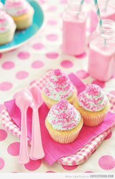 Whipped Vanilla Dream Cupcakes