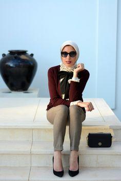 HH Style Guide: Bow Tie & Lace Ruffle Blouse at the Chedi Muscat – Haute Hijab Hijab Fashionista, Hajib Fashion, Modest Fashion, Abaya Fashion, Turkish Fashion, Islamic Fashion, Mode Niqab, Muslim Women Fashion, Casual Hijab Outfit