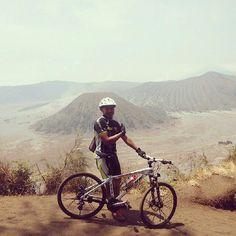 @melkysetiawan -  Salam gowes dr G.Bromo Mantep banget nih spot... Buat jeprat-jepret #gowes #pacificbike #mountainbike
