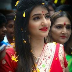 being marathi © ( Best Photo Poses, Girl Photo Poses, Girl Photos, Beautiful Indian Actress, Beautiful Actresses, Indian Army Wallpapers, Bengali Bride, India Beauty, Girl Face