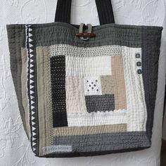 Black and White Sashiko Linen Tote bag, Large Patchwork Quilted Bag Black Quilted Bag, Quilted Tote Bags, Patchwork Bags, Reusable Tote Bags, Black And White Bags, Creative Bag, Simple Bags, Easy Bag, Handmade Purses