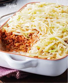 Easy Layered Cabbage Casserole Recipe - Kraft Recipes - Casseroles are easy. Stuffing cabbage is hard. In this recipe, you get stuffed cabbage flavor with casserole simplicity. Kraft Recipes, Ww Recipes, Cooking Recipes, Healthy Recipes, What's Cooking, Kraft Foods, Irish Recipes, Home Recipes, Easy Dinner Recipes