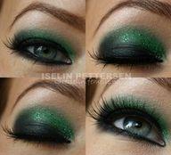 beautiful green makeup