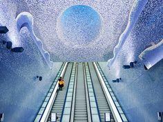 Toledo Metro Station, Naples, Italy - 20 Coolest Subway Stations Around the World Art Station, Metro Station, Naples Metro, Naples Hotel, Naples Italy, Top 10 Hotels, World's Most Beautiful, Installation Art, Contemporary Artists
