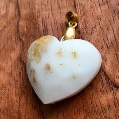 "Ale Galvan en Instagram: ""Dije de leche materna con lámina de oro. #joyadeleche #joyeriaviva #joyeríamaterna #joyaparamama #mamaemprendedora #joyeríaartesanal…"" Earrings, Instagram, Jewelry, Mother's Milk, Jewelery, Jewellery Making, Jewels, Ear Piercings, Jewlery"