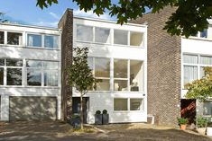 1970s modernist townhouse in Wimbledon, London SW19