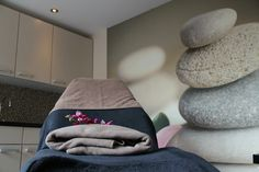 Mijn nieuwe Beautysalon ❤️ #schoonheidsspecialiste #schoonheidssalon Lucca, Bean Bag Chair, Furniture, Beauty, Home Decor, Decoration Home, Room Decor, Bean Bag Chairs, Home Furniture