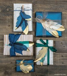 DIY Paper Feathers in Gold – Lia Griffith – feather diy Wrapping Ideas, Creative Gift Wrapping, Gold Paper, Diy Paper, Paper Crafts, Paper Art, Diy Crafts, Gold Diy, Christmas Gift Wrapping