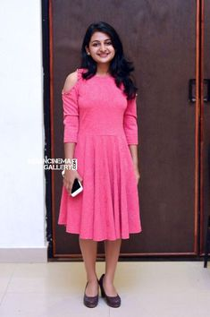 Esther Anil at Sibi Malayil Daughter Engagement Frocks For Teenager, Frocks For Girls, Frock For Teens, Frock For Women, Casual Frocks, Casual Dresses, Girls Dresses, Full Skirt And Top, Frock Models