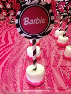 Treats at a Barbie Party #Barbie #partytreats