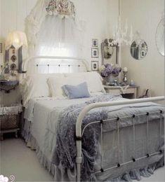 Cottage Shabby Chic Bedroom Decor.