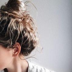 Saturday Messybun day #messybun #saturdays #hairup