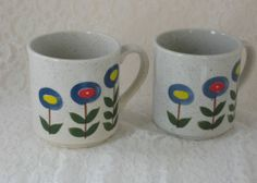 Set Of 2 Retro Vintage Blue/Red/Yellow Floral Coffee Mugs Made in Japan NIB