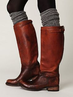 I want long socks like this for my oh so much cuter boots!