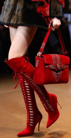 Fall 2014 Ready-to-Wear Versace red suede boots (thigh high) Fashion Moda, Red Fashion, Fashion Shoes, Fashion Accessories, Style Fashion, Latest Fashion, Fashion 2014, Milan Fashion, Fashion Beauty