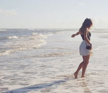 Inspiring picture alone, beach, cute, girl. Resolution: 500x335 px. Find the picture to your taste!