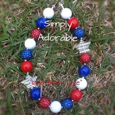 This necklace is perfect for your little patriot!   This is a child's size necklace, 16-18 inches. Chunky bead necklaces are perfect for any occasion, everyday wear, and are perfect for photo shoots!