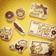 #RubberStamp via : Instagram @shihohanko Stamp Printing, Screen Printing, Eraser Stamp, Diy And Crafts, Arts And Crafts, Candy Paint, Stamp Carving, Handmade Stamps, Wood Stamp