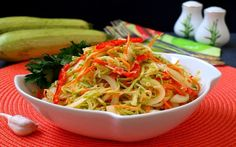 Japchae, Cabbage, Spaghetti, Food And Drink, Vegetables, Ethnic Recipes, Winter, Salads, Winter Time