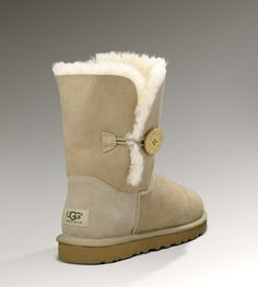 Bailey Button-desperately need new uggs!