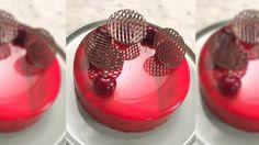 Kake med mirror glaze (speilglasur) av Sverre Sætre