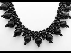 These are the kinds of pieces you'll generally find in high-end fashion jewelry shops in outlet store and mall. Beaded Jewelry Patterns, Bracelet Patterns, Diy Jewelry Necklace, Beaded Necklace, Geek Jewelry, Collar Necklace, Jewelry Bracelets, Fine Jewelry, Necklace Tutorial
