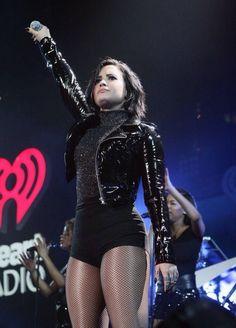 Demi Lovato in Jingle ball 2015
