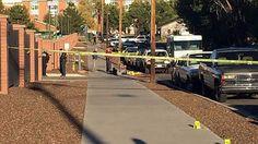 2 Op de campus van Texas Southern University in hermetisch heeft er weer een schietpartij plaatsgevonden. De universiteit is nu afgesloten en alle docenten hebben de opdracht gekregen om de deuren van de klaslokalen niet te openen, maar gesloten te houden. De schutter is nu nog steeds op vrije voeten. De politie houdt een klopjacht op de dader. Er zijn twee mensen neergeschoten, één van hen is overleden. (SOCIAAL); (de VS - Washington DC: republiek)