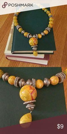 Vintage Costume Jewelry Necklace Vintage Costume Jewelry Necklace! Old and fun! Marble beaded design. Jewelry Necklaces