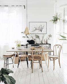 my scandinavian home: The Charming Creative Home of a Polish Artist. Dining room in white (walls and floors) with pale wooden furniture. Rooms Ideas, Bedroom Ideas, Online Interior Design Services, Scandinavian Home, Home And Deco, Modern Room, Creative Home, Home Interior, Home Decor Styles