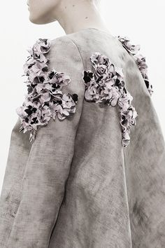 pivoslyakova:  Detail at Giambattista Valli | Spring 2014