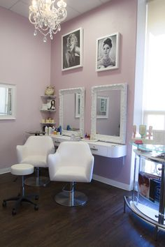 "Love the white contrast. Phenix Salon — The ""Suite"" Life - Ranch & Coast Magazine Home Hair Salons, Hair Salon Interior, Salon Interior Design, Home Salon, Phenix Salon Suites, Beauty Salon Decor, Small Beauty Salon Ideas, Small Salon Designs, Salon Stations"