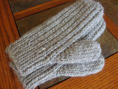 This pattern was adapted from Marlene Ableiter's flat mitten pattern. With her permission, I am posting my version of her mitten.