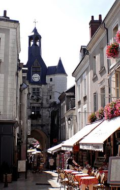 Clock tower - Loire Valley, Amboise, France. } Flickr ᘡղbᘠ