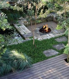 Cool DIY & backyard fire pit ideas with comfy seating area design. Best inspirations for easy & cheap outdoor, patio, garde . - CLICK PIN for Lots of Patio Ideas, Patio Furniture and other Perfect Patio Inspiration. Garden Fire Pit, Sunken Garden, Fire Pit Backyard, Cozy Backyard, Backyard Bbq, Sunken Patio, Sloped Backyard, Back Gardens, Outdoor Gardens