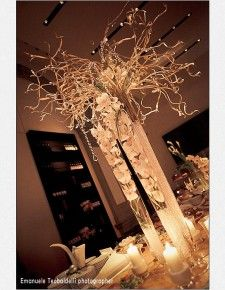 table décor with hanging crystal, golden branches and orchids wedding's in Florence Tuscany