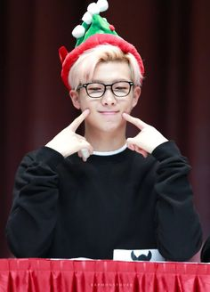 This is a Community where everyone can express their love for the Kpop group BTS Jungkook Jeon, Kim Namjoon, Taehyung, Bts Bangtan Boy, Bts Boys, Foto Bts, Bts Photo, Mixtape, Wattpad