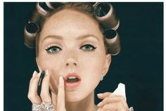 The Beauty Debate: Would You Apply Make-up On Your Commute?