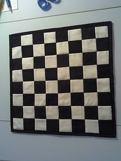 Quilted Checkers Board, make yo-yo game pieces Love Sewing, Sewing For Kids, Quilt Tutorials, Sewing Tutorials, Sewing Hacks, Sewing Crafts, Quilting Projects, Sewing Projects, Quilt Patterns